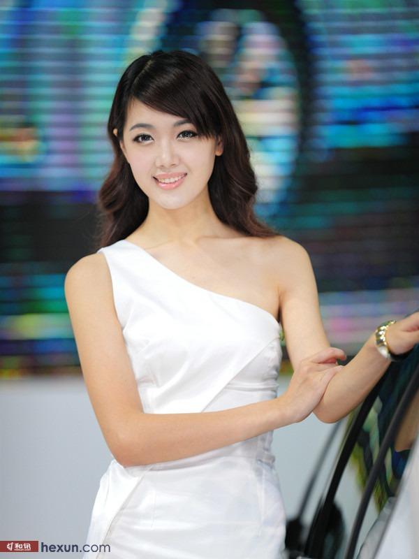 广州车展甜美可爱车模